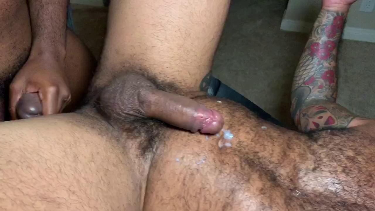 Kriti sanon finds salman shahrukh sexy